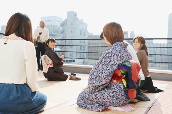 ビルの屋上で茶道して出社する人がスゴイ(連載第二回)