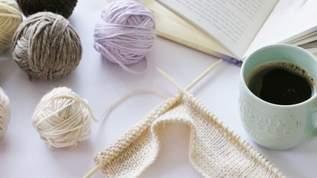 【ダイソー】「超便利じゃん!」「これを待っていたんだよおぉーw」「編み図マーカーっていう最高の商品が出てたっ♪」編み物をする人に朗報(1/2)