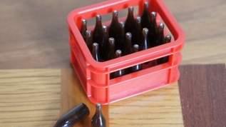 【セリア】「ビールケースめっちゃいい!」「ハマる…」「めちゃくちゃかわいい」ミニチュアビールケースが人気でいつも品薄(1/2)