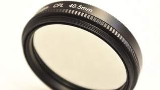 「100均に偏光レンズ売ってるのすごすぎる」「高価な偏光レンズがキャンドゥで100円で売ってるよ!」簡単に良い写真が撮れると超話題(1/2)