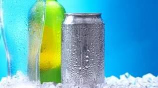 「これからの季節ヘ有益情報!」「素晴らしい!いつでもキンキンに冷えたスーパードライが飲める」常温ビールをいち早く冷やす方法(1/2)