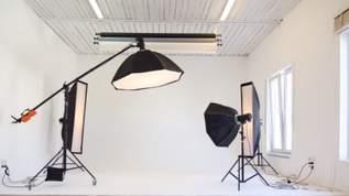 【100均スゴイ】「この値段で撮影ブース出来ちゃうんですか…?」「どっちにしても値段ヤバい」キャンドゥ・ワッツ・ミーツ・シルクで買える!LED付き撮影ボックスが話題(1/2)