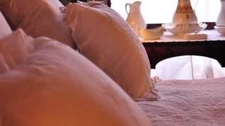 不眠に悩んでいた人が「10時間ぶっ通しで熟睡、寝起きスッキリ」 IKEAの『横向き用枕』が話題に