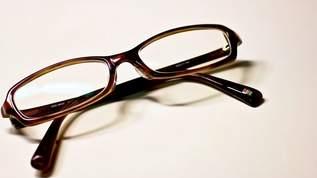 マスクしてもメガネがくもらない『くもり止めクロス』が話題に「まじで神アイテム」「コレが一番」