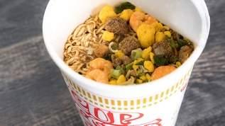 『カップヌードルで作る炒飯』が最強に美味しい!「強大な悪魔の味がする」アレンジレシピも