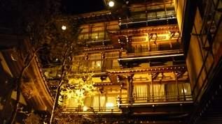 アノ有名な旅館…渋温泉の金具屋で行われた音泉温楽とは!?【ファンシー絵みやげ】
