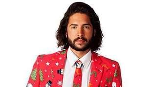 ダサセーターの日、今年は柄だらけのクリスマススーツでキメよう