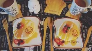 【バカ売れ】3COINSの食パン型プレートが何をのせてもかわいくなると大人気!
