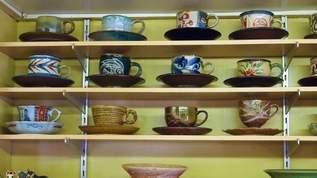 美しいマダムと器コレクションを眺めながらまったり、喫茶「団呂(だんろ)」