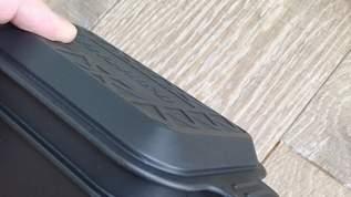 【バカ売れ!】「あまりのハンサムな佇まいに思わずカゴにポイポイ」セリアの100円ランチボックスの新シリーズ「フェリーチェ」「デリツィオーゾ」を使ってみた(1/3)