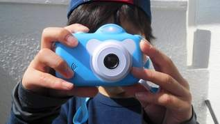 空前の大ブーム、バブルカメラがダイソーで330円!ネット民→「やっっっと見つけた!!」「ラスイチだったからすごく嬉しい」「田舎なのにどこ探してもなかった」(1/2)