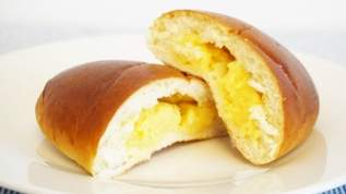 「すぐさま食べたくなりました」「私も試します」ヤマザキ人気商品の薄皮クリームパン、ある一工夫で絶品スイーツに大変身!!