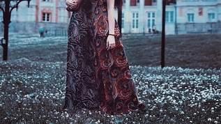 「ノーブラ胸チラ写真」公開のユアン・マクレガーの娘、父の不倫相手を「ごみ」(1/2)