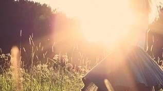 ジュード・ロウの娘が映画デビュー 超美女なのに父親似の顎で髭が似合いそう(1/2)