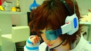 美人フォトグラファーJulie Wataiを魅了して止まない、LSIゲーム機×美少女