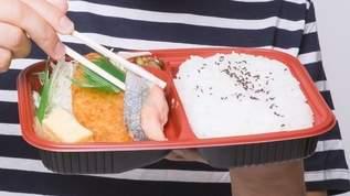 コンビニで買ったお惣菜を女性が子供用の弁当箱に詰めていて「子供が可哀想」と思っていたが…→ネット民「めちゃくちゃわかる」