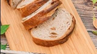 初めての高級フレンチでパンが美味しくて食べていたら、店員さんに取り上げられた…→その理由に、ネット民「あるある」