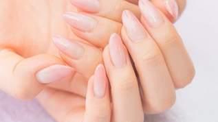 「短い爪」が1年で「縦長の爪」に変わる6つの心がけがコチラ→ネット民「爪の形って変わるんですね」と驚きの声