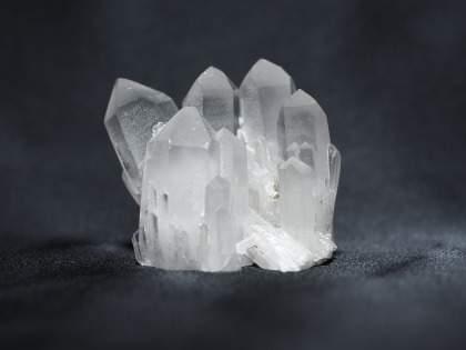 【セリア】「ファフナー公式グッズと言われても遜色ないほど同化結晶にそっくりw」クリアオブジェが常に品薄?(1/2)