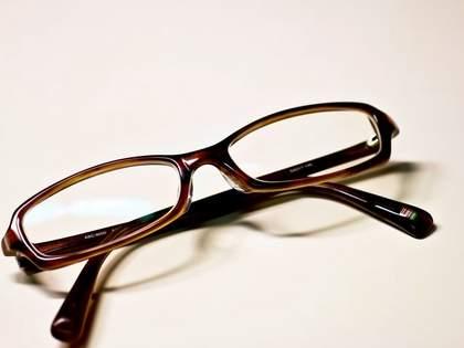 JINS『メガネ用くもり止めスプレー』が優秀!「300円でこれはとんでもない」「なかなか売ってない」の声