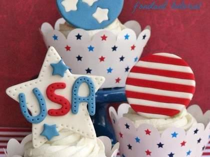 今年も原色すぎるケーキが続々!アメリカ独立記念日のお菓子