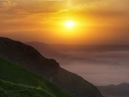絶景!雲の上に浮かぶ「ラピュタの道」は本当にあった