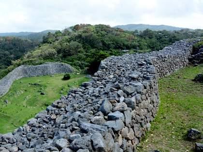 まるでラピュタ!沖縄の古城がジブリの世界だった