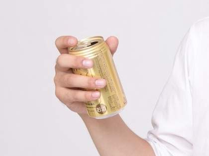 缶ビールを飲むとき「あること」をするだけで格段に美味しくなるってホント!?→ネット民「喉越しが違う」「いくらでも飲めそう」