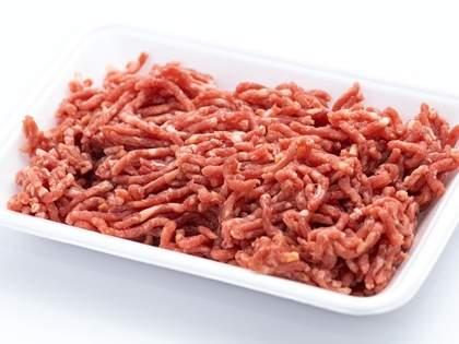 ハンバーグ作りで挽肉をこねるとき、塩を入れないとハンバーグにならないので要注意→ネット民「なるほど」
