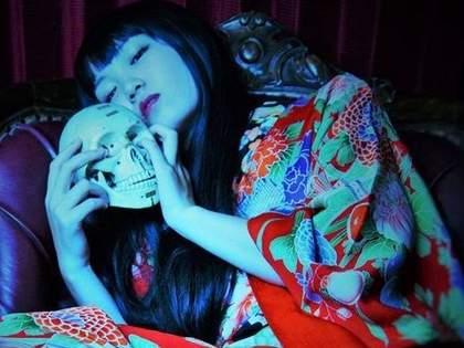 【京都】アンティーク着物の専門店なのに「どくろコレクション」がスゴイお店!「戻橋」
