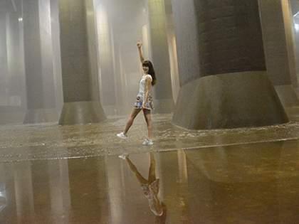 【PASSPO☆藤本有紀美】何もかもがLサイズ過ぎるひみつの地下神殿に潜入!